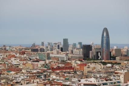 Espectacular vista del skyline del 22@ desde 57m de altura en la cubierta de la Sagrada Familia