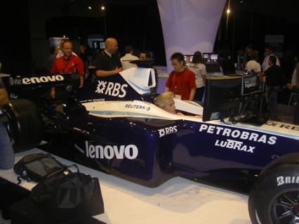 Williams Toyota FW30 en el stand de Lenovo, en Siggraph