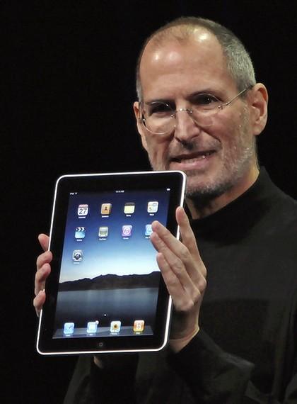 Steve Jobs muestra el iPad